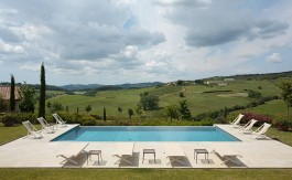 luxury villa in volterra