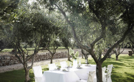 intimate wedding in Puglia
